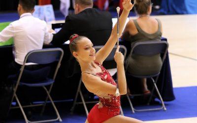 Rebeka Devetak med športniki Goriške